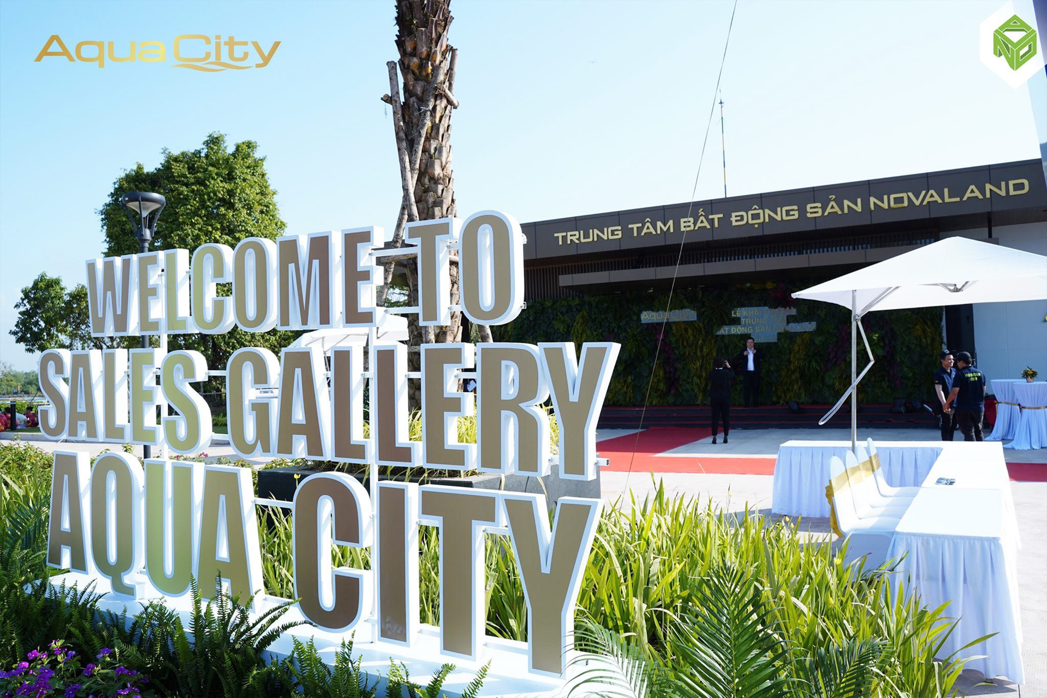 sales-gallery-aqua-city
