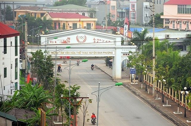 Huyen-Dan-Phuong-len-quan-khoang-dau-nam-2025